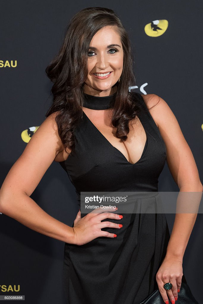 TV Personality Sandra Rato arrives ahead of CATS Opening Night at Regent Theatre on December 20, 2015 in Melbourne, Australia.