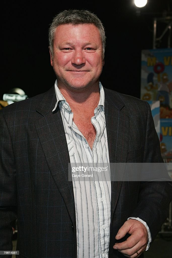 TV Personality Scott Cam arrives on the yellow carpet at 'The Simpsons Movie' Australian premiere at Hoyts Entertainment Quarter, Moore Park on July 24, 2007 in Sydney, Australia.