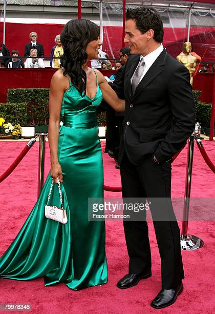 TV personality Shaun Robinson and actor Antonio Sabato Jr arrive at the 80th Annual Academy Awards held at the Kodak Theatre on February 24 2008 in...