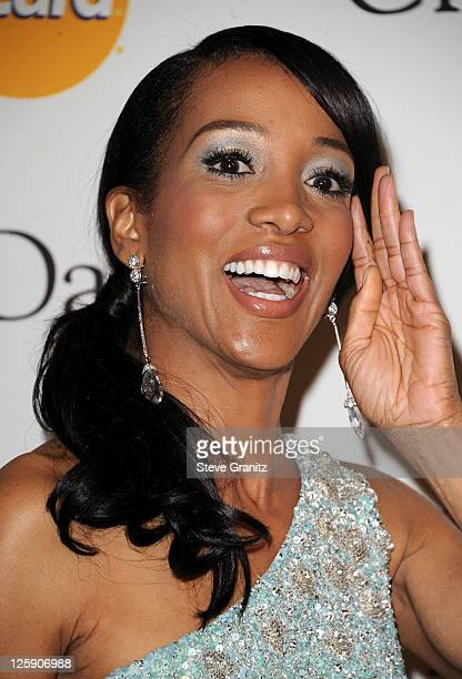 TV personality Shaun Robinson arrives at the 2011 PreGRAMMY Gala and Salute To Industry Icons Honoring David Geffen at The Beverly Hilton Hotel on...