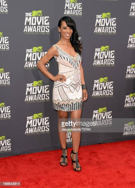 TV personality Shaun Robinson arrives at the 2013 MTV Movie Awards at Sony Pictures Studios on April 14 2013 in Culver City California