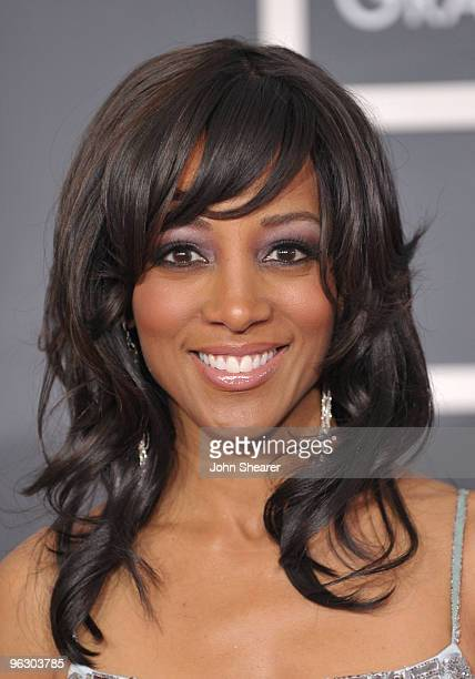 TV personality Shaun Robinson arrives at the 52nd Annual GRAMMY Awards held at Staples Center on January 31 2010 in Los Angeles California