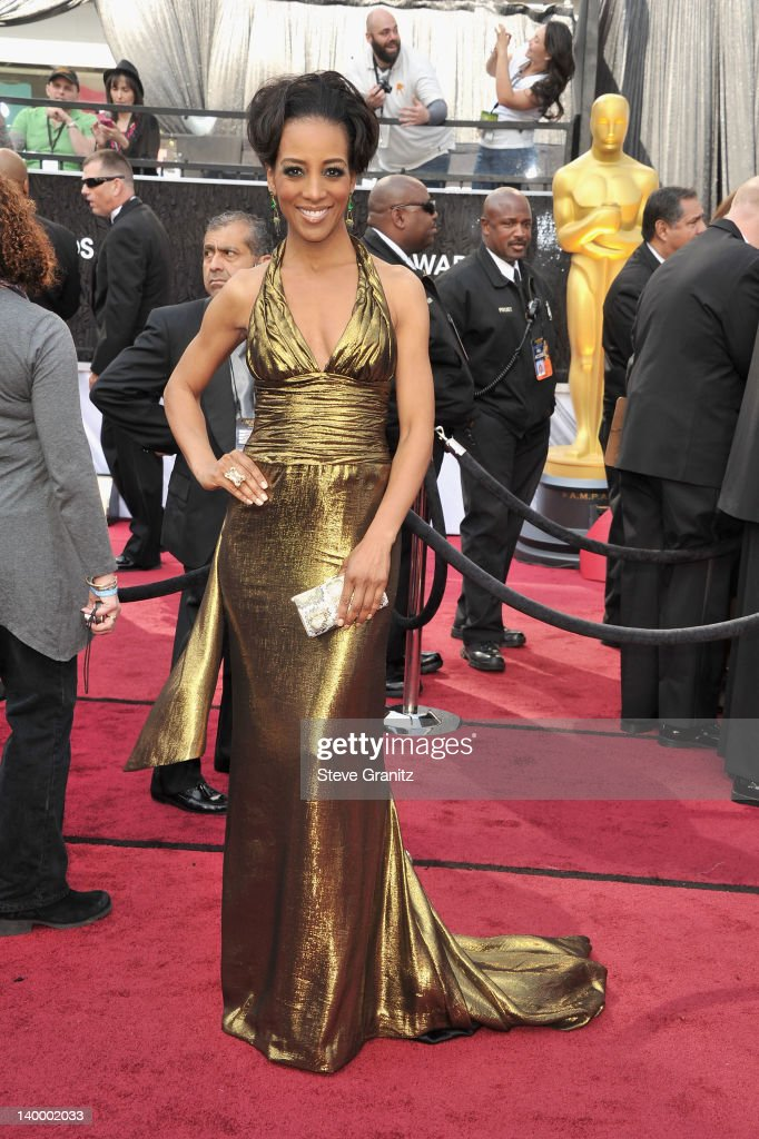 TV personality Shaun Robinson arrives at the 84th Annual Academy Awards held at the Hollywood & Highland Center on February 26, 2012 in Hollywood, California.