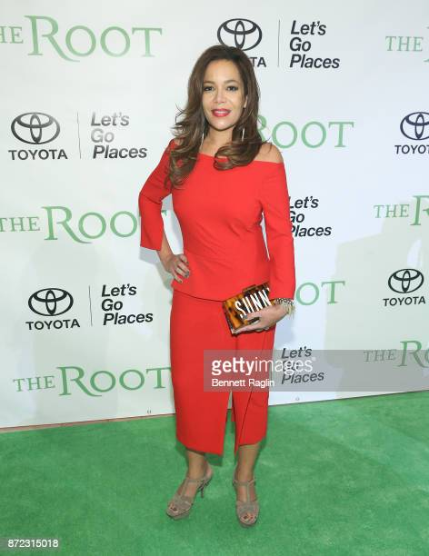 TV personality Sunny Hostin attends the The Root 100 Gala at Guastavino's on November 9 2017 in New York City