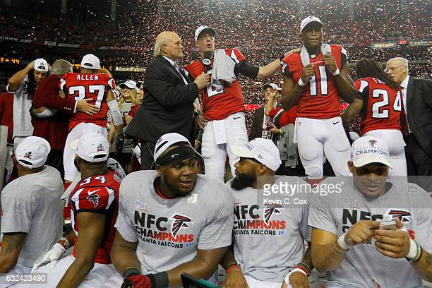 TV personality Terry Bradshaw speaks to Matt Ryan and Julio Jones of the Atlanta Falcons after defeating the Green Bay Packers in the NFC...