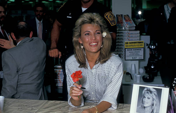 """Personality Vanna White attending the book party for Vanna White """"Vanna Speaks"""" on May 21, 1987 at Caldor's in Norwalk, Connecticut."""