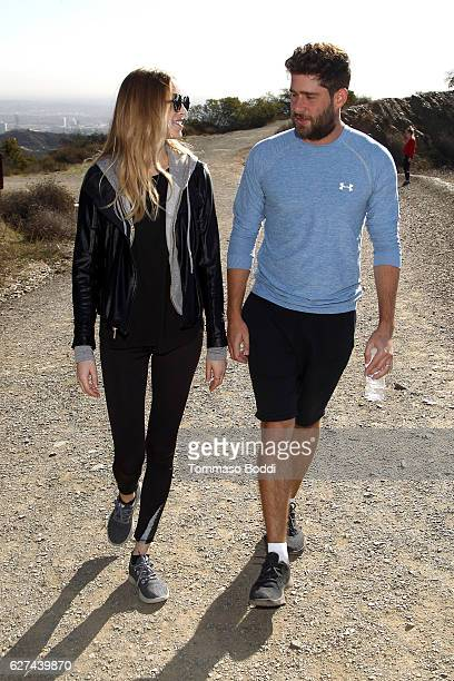 Personality Whitney Port and Tim Rosenman Hike with Allbirds and Friends on December 3 2016 in Los Angeles California