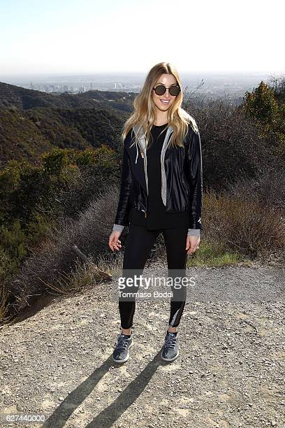 Personality Whitney Port Hikes with Allbirds and Friends on December 3 2016 in Los Angeles California