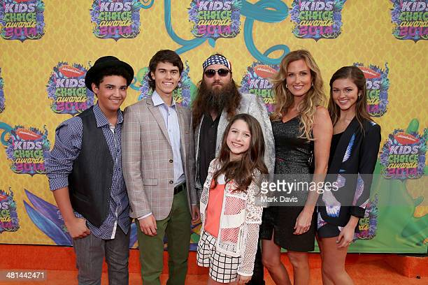 TV personality Willie Robertson and wife Korie Robertson with family attend Nickelodeon's 27th Annual Kids' Choice Awards held at USC Galen Center on...