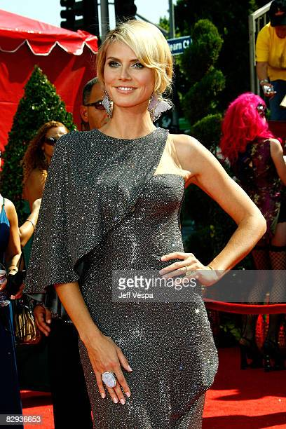Personality/Model Heidi Klum arrives at the 60th Primetime Emmy Awards at the Nokia Theater on September 21, 2008 in Los Angeles, California.