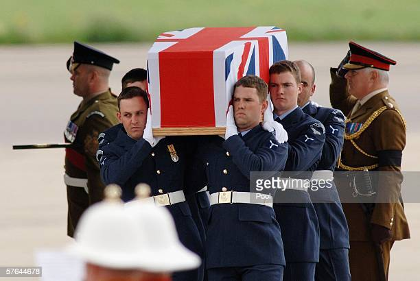 RAF personnel carry the coffin of Flight lieutenant Sarah Mulvihill at RAF Brize Norton on May 18 2006 in Brize Norton Oxfordshire England Mulvihill...
