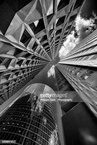 perspective in la defense - la défense stock pictures, royalty-free photos & images