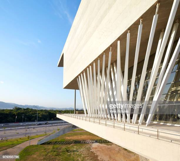 Perspective of cantilever balcony with pylons La Cidade das Artes Barra da Tijuca Brazil Architect Christian de Portzamparc 2014