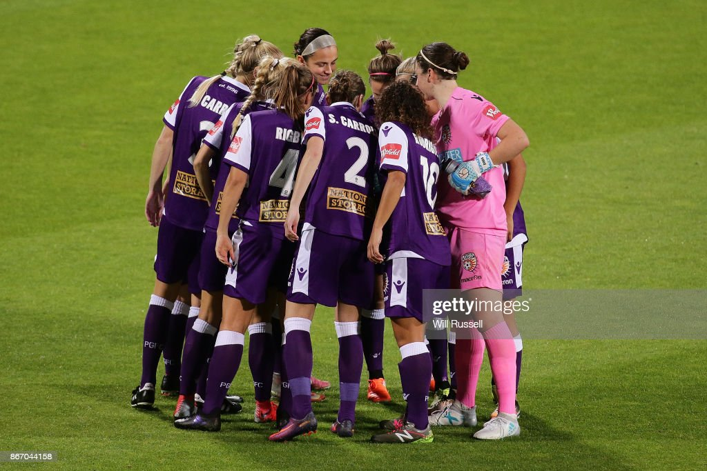 Perth Glory form a huddle before the round one W-League match between the Perth Glory and Melbourne City FC at nib Stadium on October 27, 2017 in Perth, Australia.