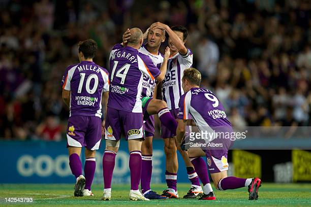 Perth Glory players celebrate victory during the A-League Elimination final match between Perth Glory and the Wellington Phoenix at nib Stadium on...