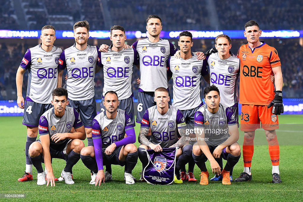 perth-glory-players-pose-for-a-photograp