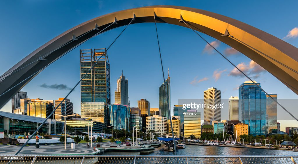 Perth Skyline from Cable-stayed pedestrian bridge : Stock-Foto