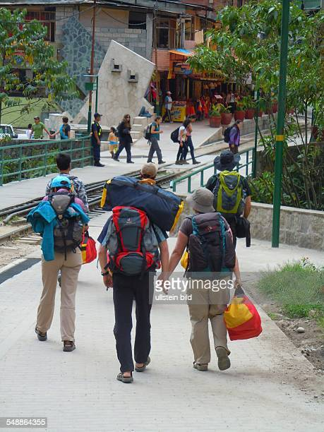 Peru Aguas Calientes backpackers