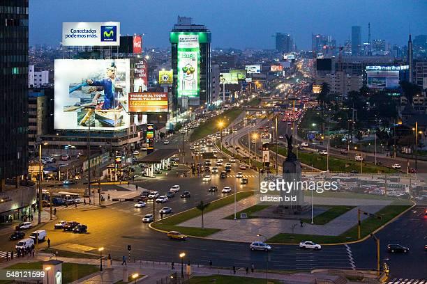 Peru Lima Lima - traffic at Paseo de la Republica