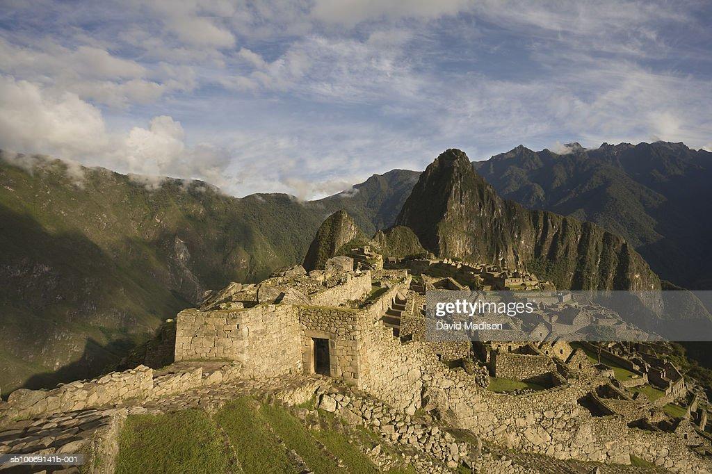 Peru, Machu Picchu, Ruins and Huayna Picchu : Stockfoto