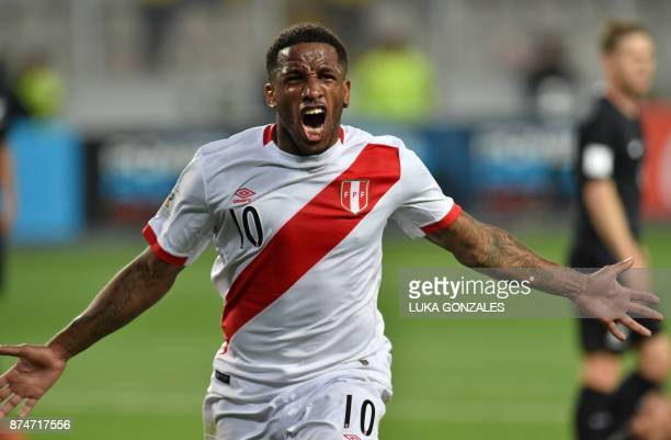 TOPSHOT Peru's Jefferson Farfan celebrates after scoring against New Zealand during their 2018 World Cup qualifying playoff second leg football match...