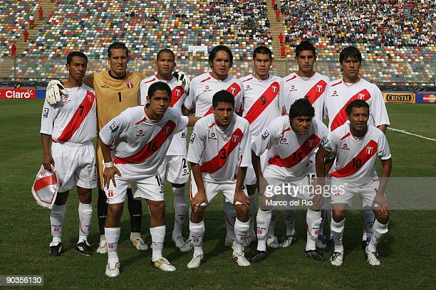 Peru's players pose for a picture during their FIFA 2010 World Cup Qualifying match against Uruguay at the Monumental Stadium on September 5 2009 in...