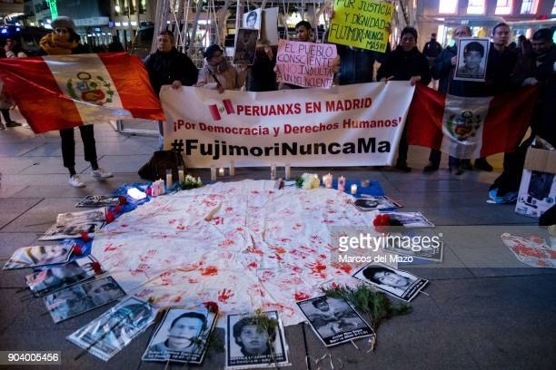 Peruvian community protesting against the pardon to Peruvian President Alberto Fujimori.