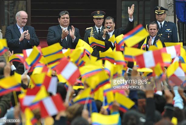 Peruvian Foreign minister Jose Antonio Garcia Belaunde and President Alan Garcia, his Ecuadorean counterpart Rafael Correa and his Foreign minister...