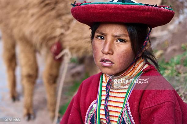 Peruanische Mädchen in-Kleidung, das Heilige Tal in Peru