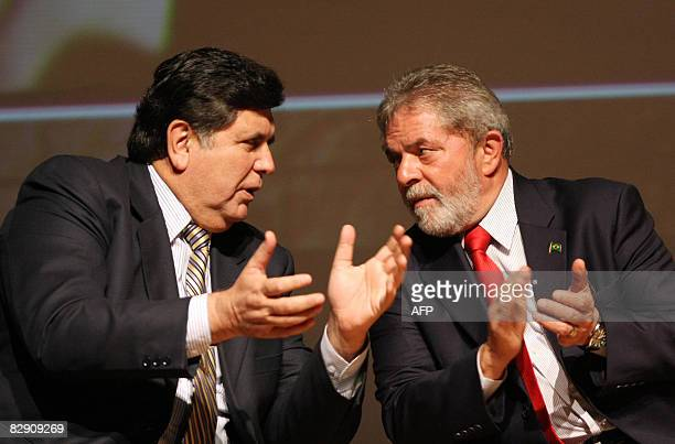 Peruvian President Alan Garcia and his Brazilan counterpart Luiz Inacio Lula da Silva speak during a meeting at the Industry Federation of Sao Paulo...