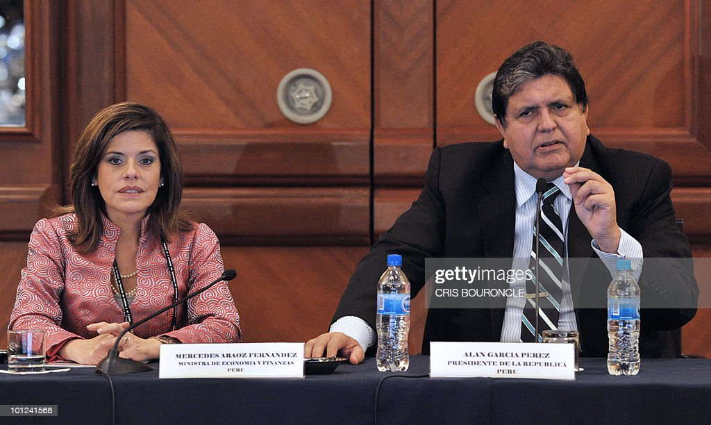 Peruvian President Alan Garcia (R) and his Finance Minister Mercedes Araoz (L) inaugurate the 3rd Meeting of Ministers of Finance of the Americas and the Caribbean held in Lima on May 28, 2010. Representatives and ministers will meet in Peru for two days.