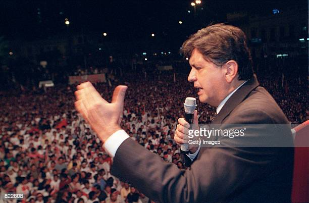 Peruvian presidential candidate Alan Garcia speaks at a political rally April 4 2001 in Lima Peru Peruvians will go to the polls to vote in a special...