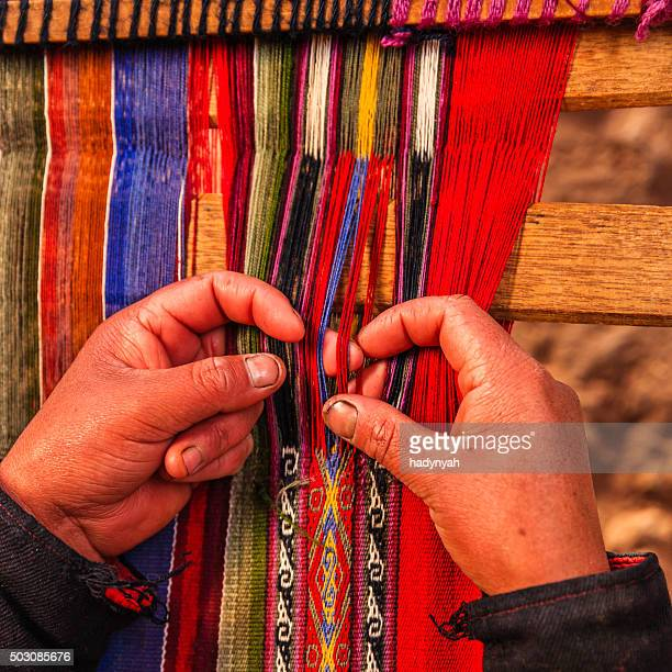 peruvian woman weaving, the sacred valley, chinchero - loom stock pictures, royalty-free photos & images