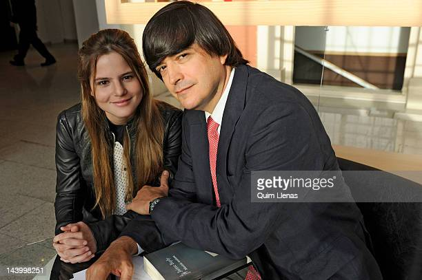 11 Jaime Bayly Portrait Session Photos And Premium High Res Pictures Getty Images Volver a ser un niño. https www gettyimages com photos jaime bayly portrait session