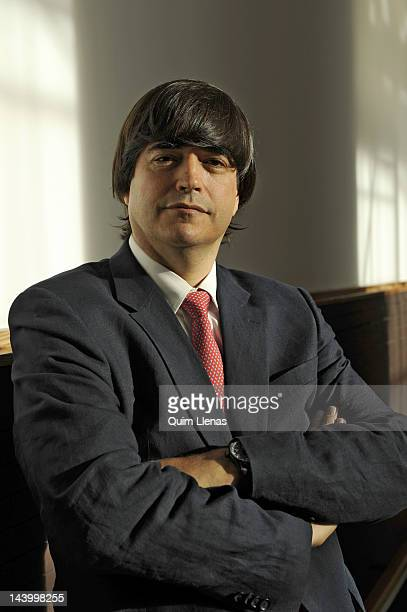 11 Jaime Bayly Portrait Session Photos And Premium High Res Pictures Getty Images A student of a local prestigious school, bayly never achieved good grades. https www gettyimages com photos jaime bayly portrait session