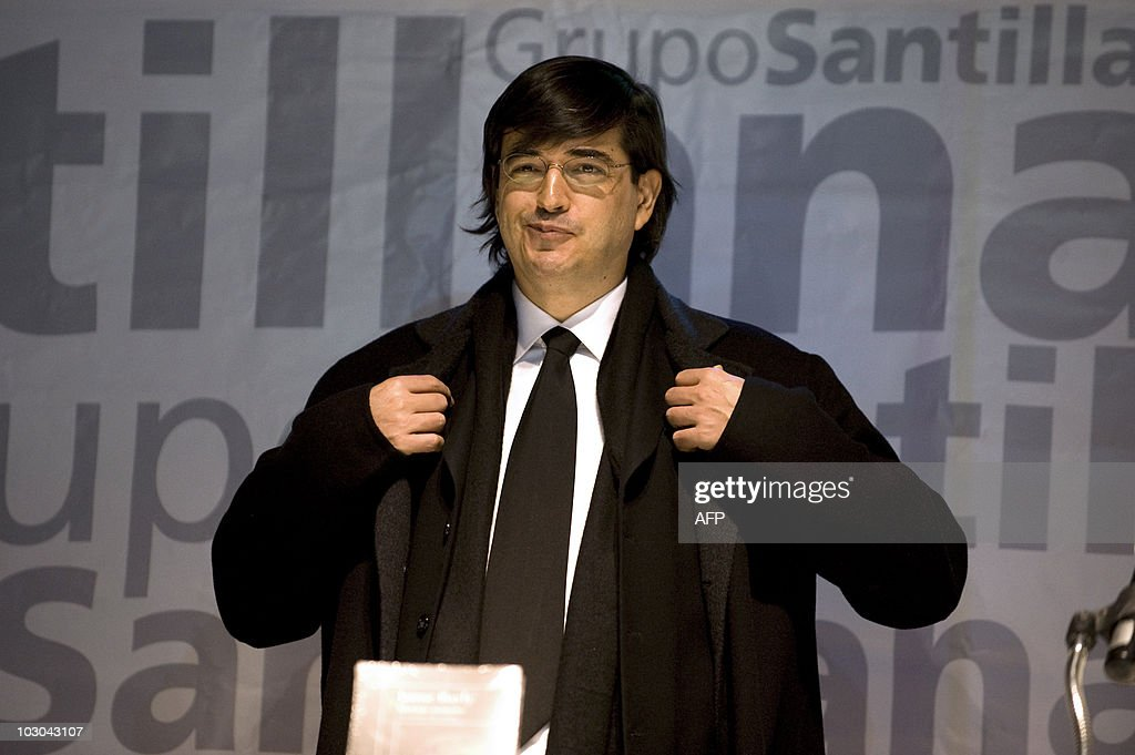 Peruvian Writer Jaime Bayly Speaks During The Presentation Of His New News Photo Getty Images Последние твиты от jaime bayly (@baylyofficial). 2