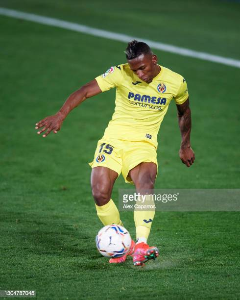 Pervis Estupinan of Villarreal CF plays the ball during the La Liga Santander match between Villarreal CF and Atletico de Madrid at Estadio de la...