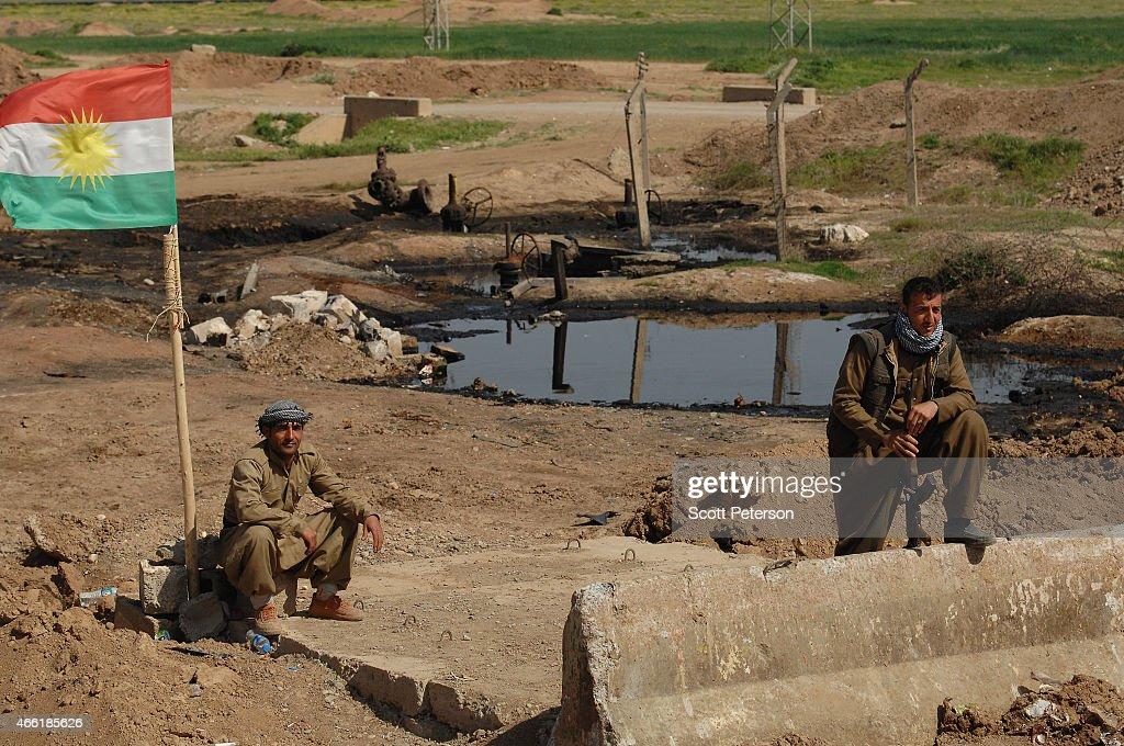 Iraqi Kurdish Forces Launch Offensive Against ISIS Near Kirkuk : News Photo