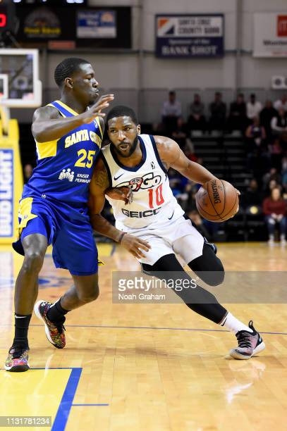 Pe'Shon Howard of the Capital City GoGo drives against the Santa Cruz Warriors on March 20 2019 at the Kaiser Permanente Arena in Santa Cruz...