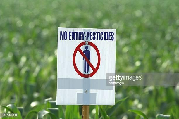 Utilisation de pesticides avertissement