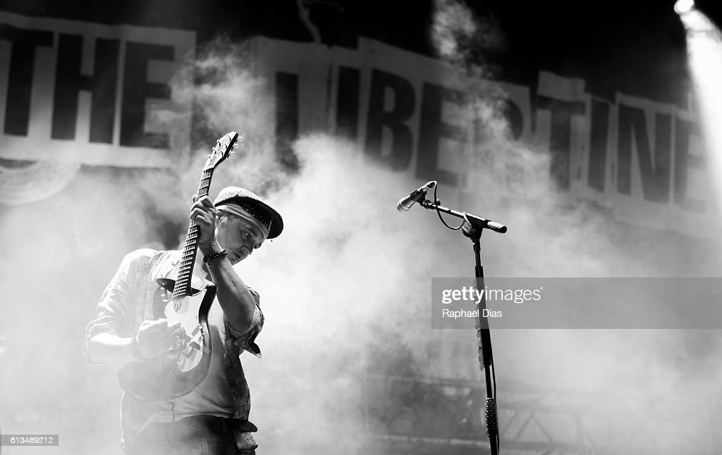 Pete Doherty from The Libertines performs in the Popload Festival at Urban Stage on October 8, 2016 in Sao Paulo, Brazil.