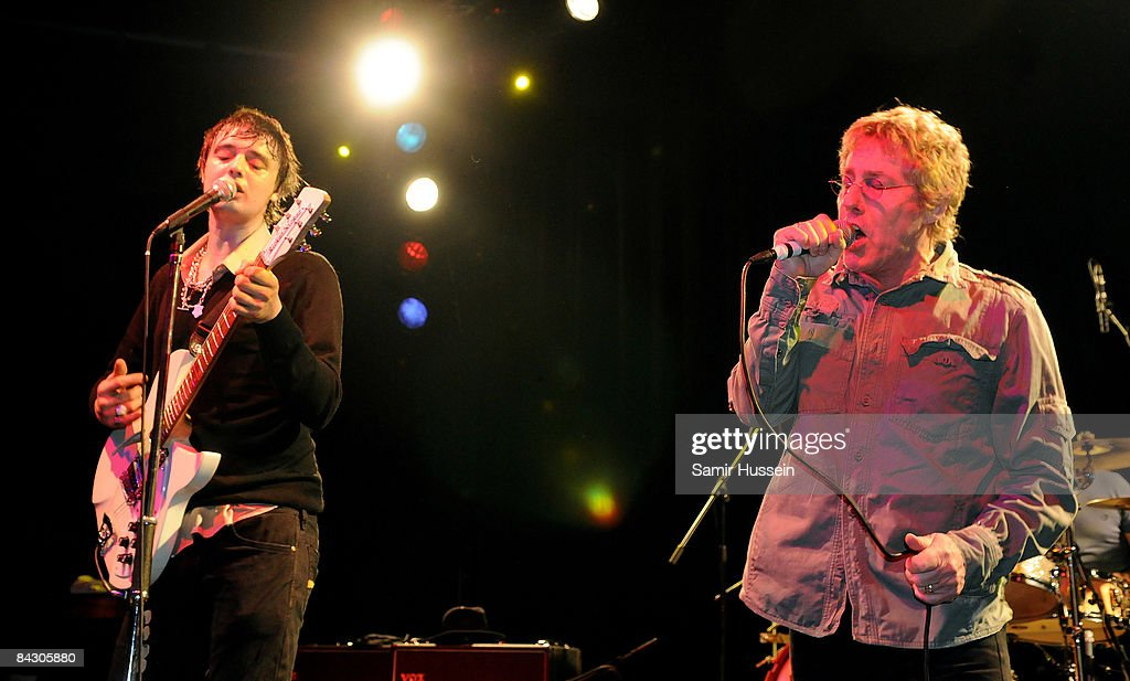 Pete Doherty And Roger Daltery Perform For Teenage Cancer Trust At The Carling Bristol Academy - January 12, 2009 : News Photo