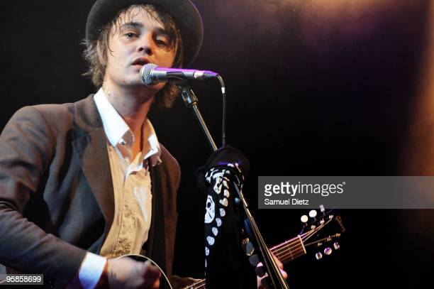 Pete Doherty performs live for a surprise show at La Fleche d'Or on January 18 2010 in Paris France
