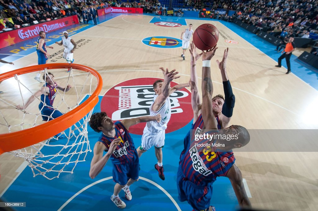 Pete Mickeal, #33 of FC Barcelona Regal in action during the 2012-2013 Turkish Airlines Euroleague Top 16 Date 6 between FC Barcelona Regal v Montepaschi Siena at Palau Blaugrana on January 31, 2013 in Barcelona, Spain.