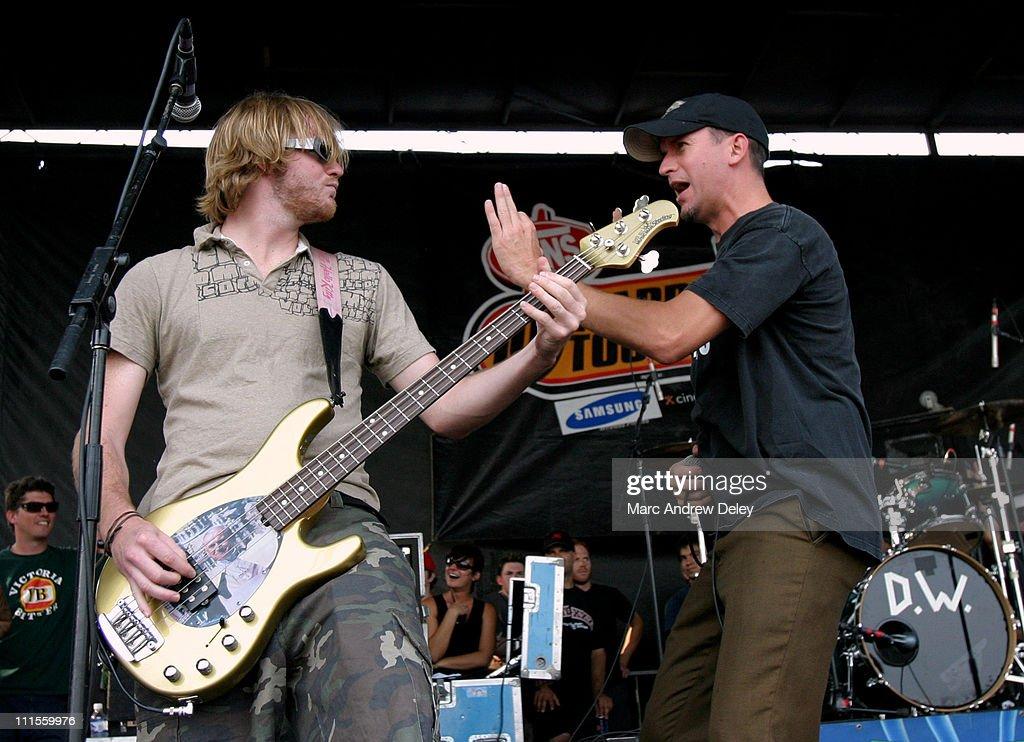 2004 Vans Warped Tour 10th Anniversary Reunion Show - Boston : News Photo