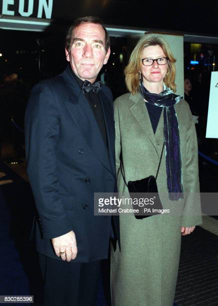 Pete Postlethwaite at the closing night gala of The London Film Festival for the European premiere of Sam Mendes' cinematic debut American Beauty...