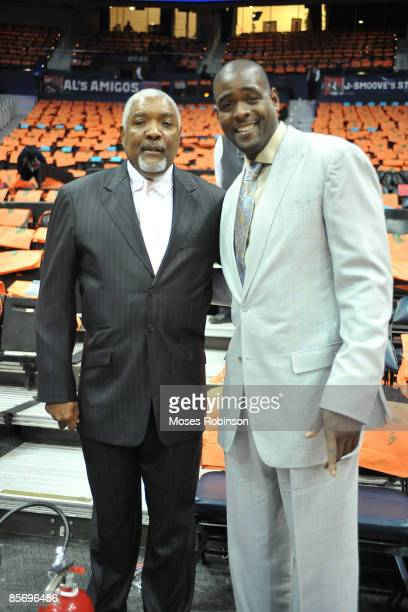 Pete Smith and Former NBA player Chris Webber attend the Los Angeles Lakers and Atlanta Hawks game at the Philips Arena on March 29 2009 in Atlanta...