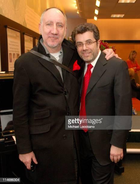 Pete Townshend and Steve Riggio, CEO, Barnes & Noble