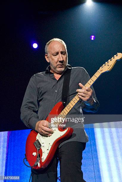 Pete Townshend of The Who performs on stage at Palacio de Deportes on May 17, 2007 in Madrid, Spain. He plays a Fender Stratocaster guitar.