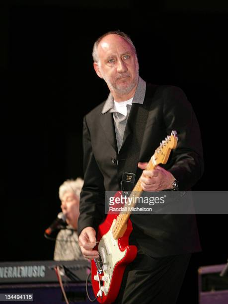 Pete Townshend performs with Ian McLagan during 21st Annual SXSW Film and Music Festival Austin Music Awards Hall of Fame Presentation by BMI at...